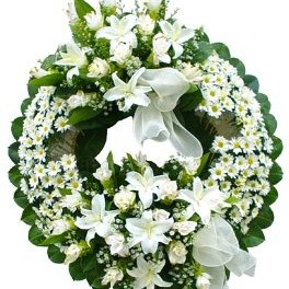 White Funeral Wreath - Sympathy-Wreaths on www.flowerstopetersburg.com